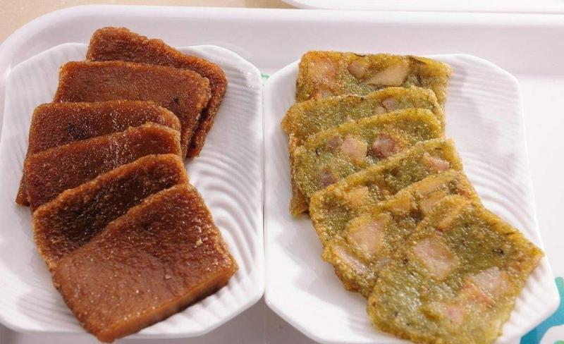Guilin cuisine cake on board (fake dumplings)