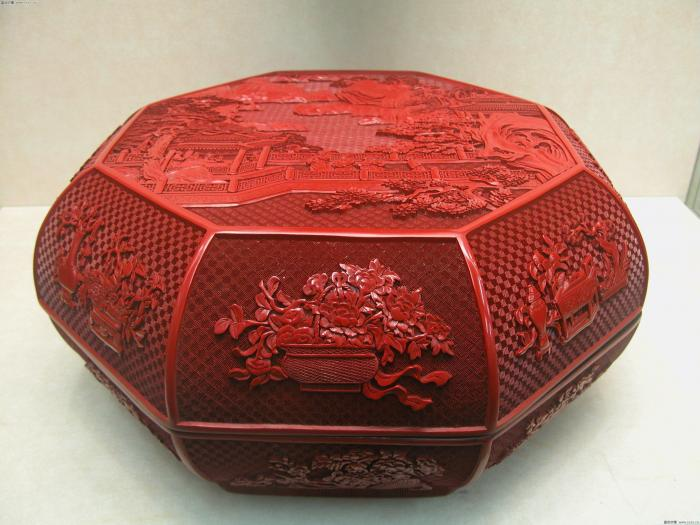 Beijing carved lacquer art