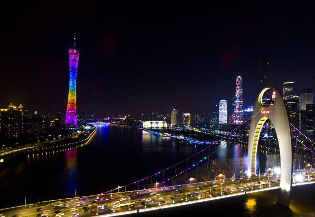 Guangzhou sightseeing bus line opened Night double-decker bus line